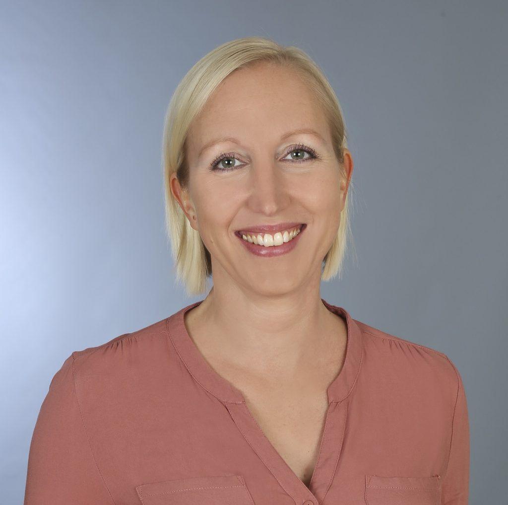 Judith Sick, Heilpraktikerin für Psychotherapie, Hypnosetherapeutin, Shiatsu-Therapeutin, Fachkraft für Stress- und Burnoutprävention