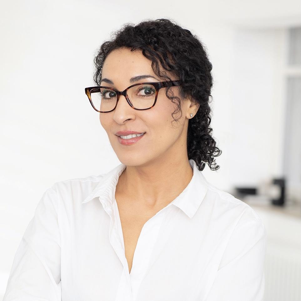 Aziza Nifer, Heilpraktikerin, Osteopathin und Med. Qi Gong-Trainerin